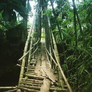 Un vieux pont pas très rassurant, près de Rantepao