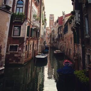 Et on finit par Venise, sur un pont traversant l'un des nombreux canaux de de la ville